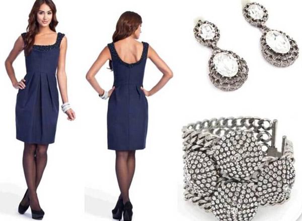 ست کردن لباس سرمه ای با جواهرات