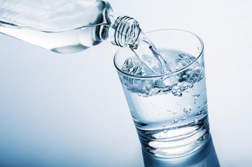 عدم نوشیدن آب به میزان لازم
