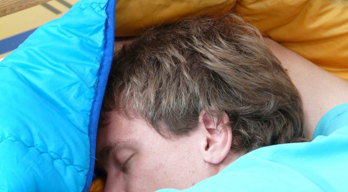 ریختن آب دهان در خواب