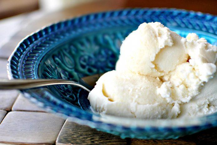 آموزش درست کردن بستنی وانیلی