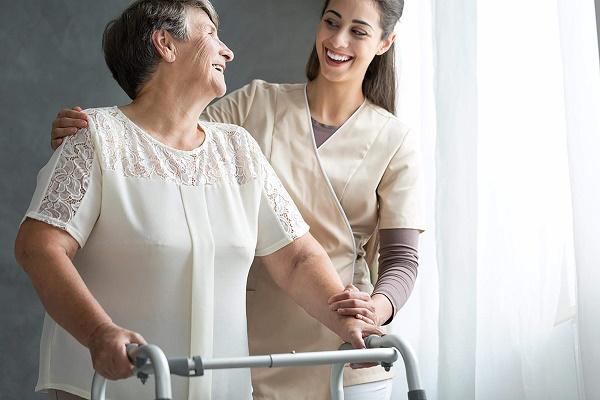 مبتلایان به پوکی استخوان از تجهیزات ایمنی استفاده کنید
