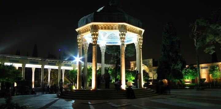 تصویر از در شیراز به جز حافظیه و سعدیه کجا میتوان رفت؟