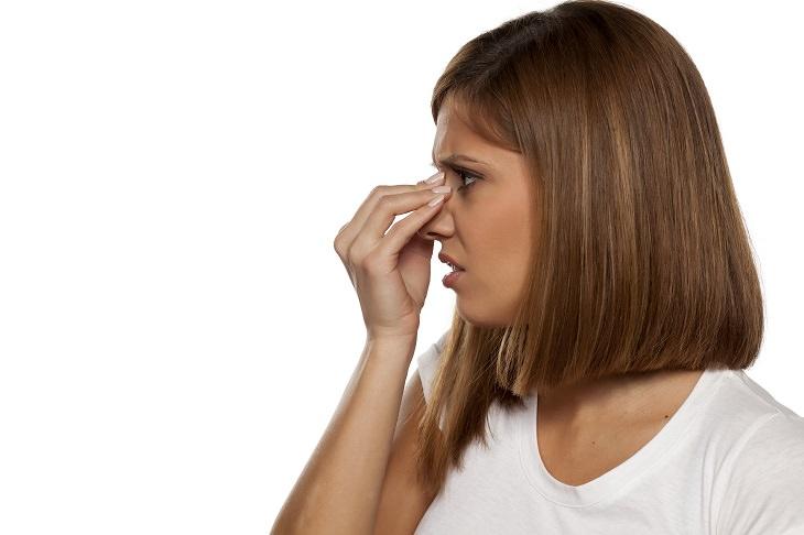 تصویر از پولیپ بینی چیست و چگونه درمان میشود؟