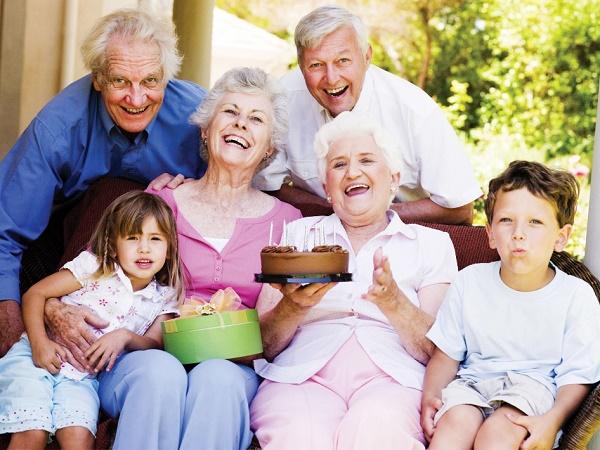 پیشنهادی متفاوت برای شاد کردن پدربزرگ و مادربزرگها
