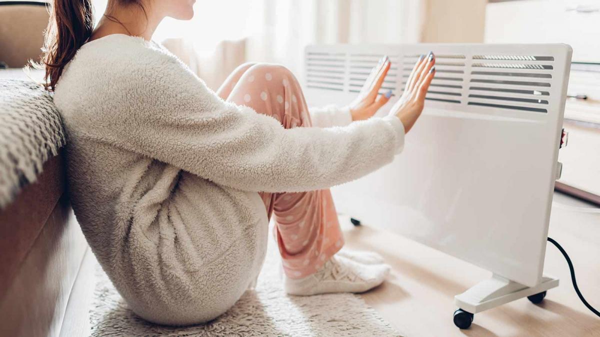 ۷ دلیل شایع سردی دست و پا که باید آنها را جدی بگیرید - مثبت زندگی %سردی دست  و پا