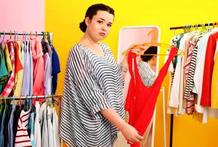 تصویر از ست کردن لباس برای خانمهایی که شکم بزرگی دارند
