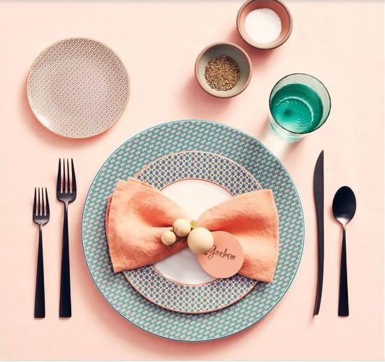تصویر از آموزش تزئین میز غذا با دستمال کاغذی و دستمال سفره