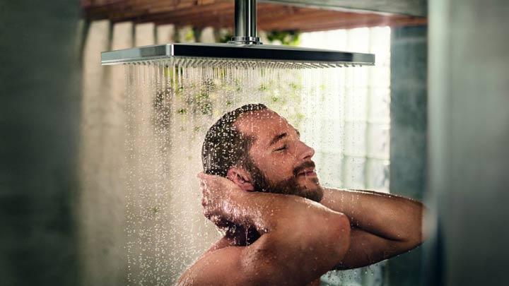 تصویر از روش صحیح حمام کردن ؛ نکات کلیدی و اشتباهاتی که باید از آنها پرهیز کنید