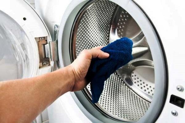 تصویر از تمیز کردن ماشین لباسشویی با یک راه مطمئن و مقرونبهصرفه