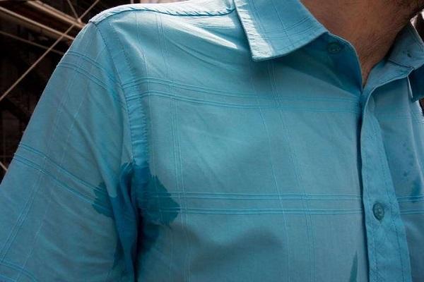 نحوه پاک کردن لکهها از روی لباس