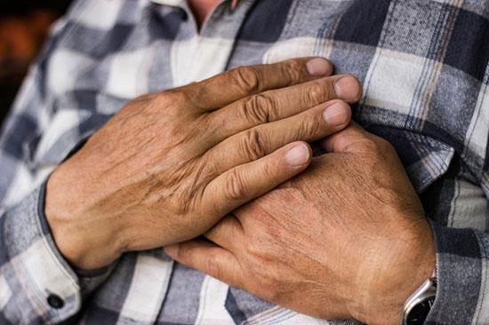 تصویر از نشانههای سرطان سینه در آقایان