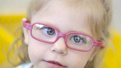 تصویر از علائم تنبلی چشم و راههای درمان آن