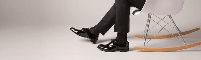 راهنمای کامل استفاده از جوراب و ست کردن آن با کفش و لباس