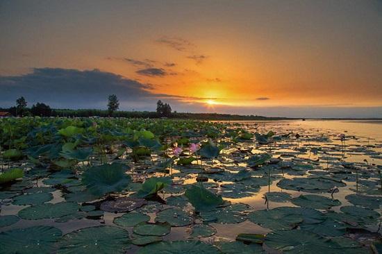 جاهای دیدنی بندر انزلی؛ آرامش خوشرنگ سرزمین دریا